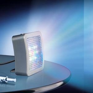 Fake TV Simulator afskrækker indbrudstyve automatisk tændes som mørket falder